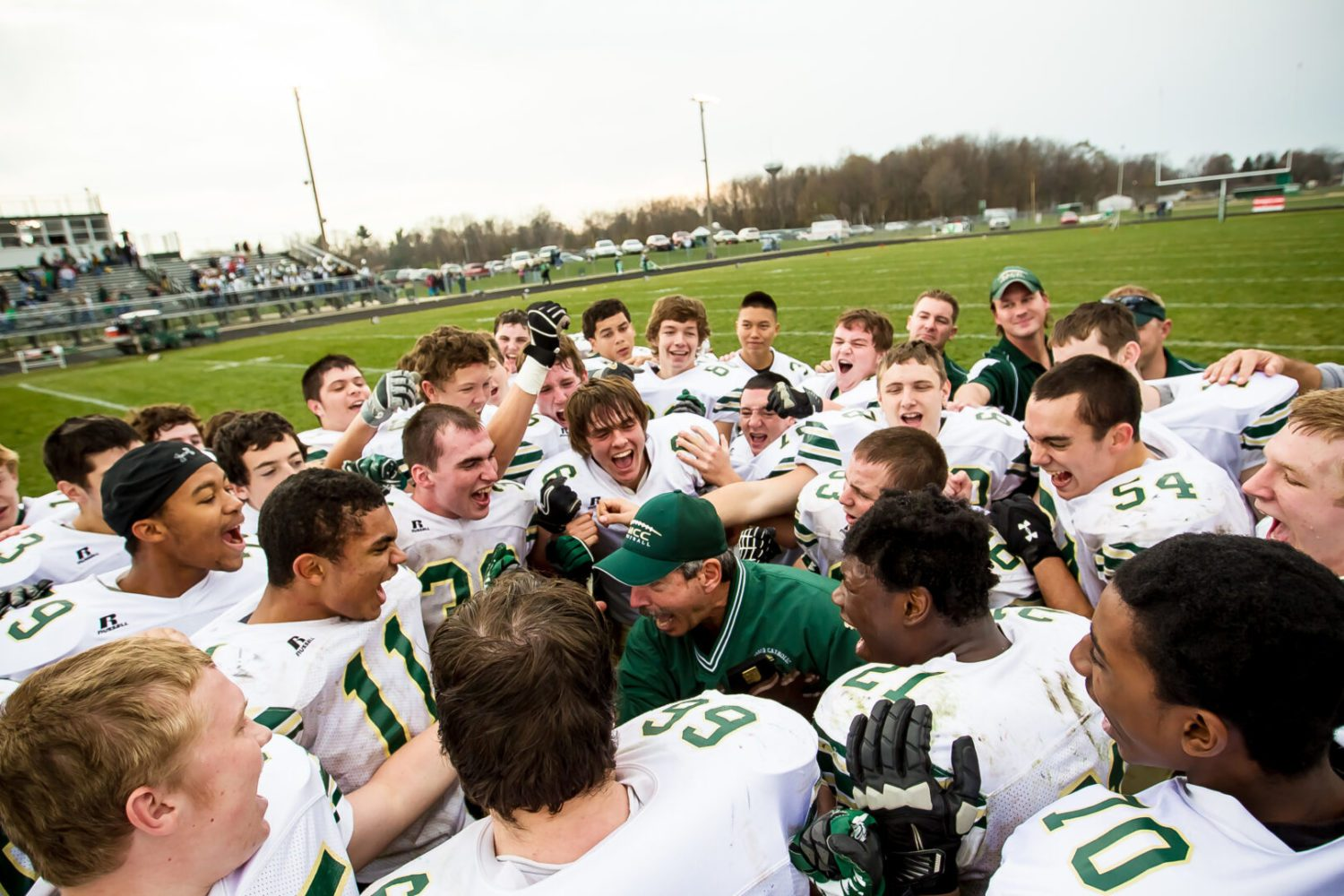 Muskegon Catholic guns down playoff nemesis Mendon to earn spot in Division 8 football semifinals