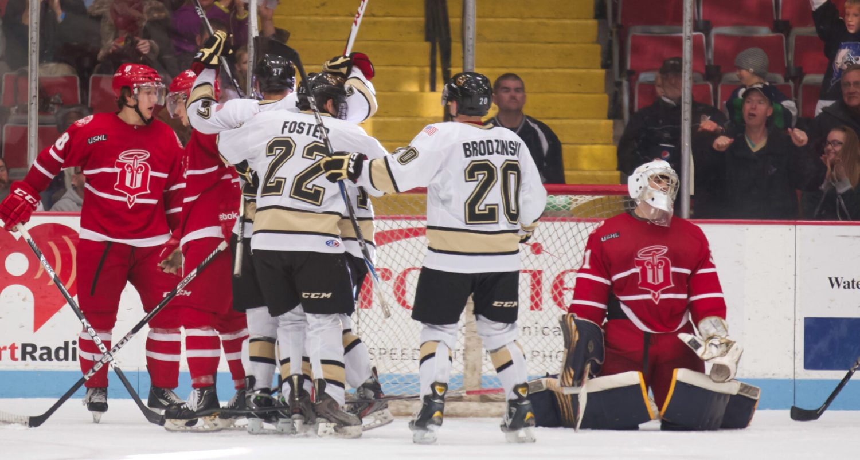 Muskegon Lumberjacks vs. Dubuque Fighting Saints (Photo gallery)