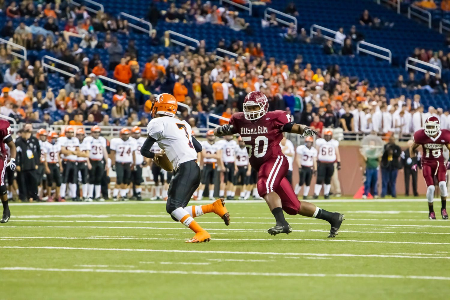 Big plays decide Division 2 state football final game [VIDEO]