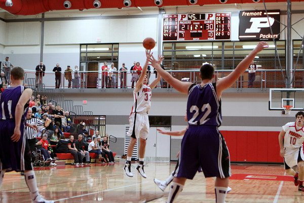 Fremont boys outlast Shelby for first win in new gym; Siegel, Krim lead the way