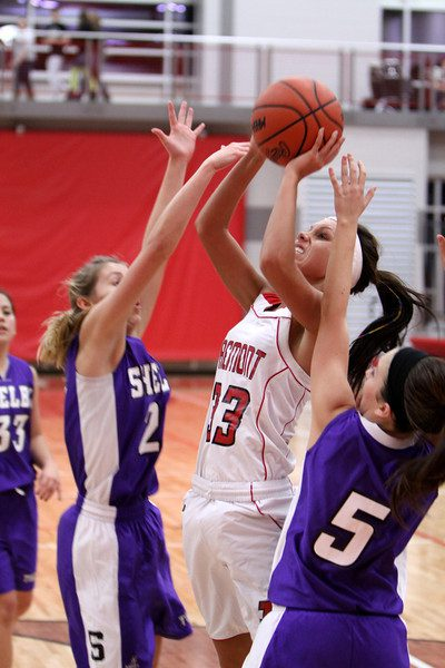 Shelby guns down Fremont in nonleague girls basketball action