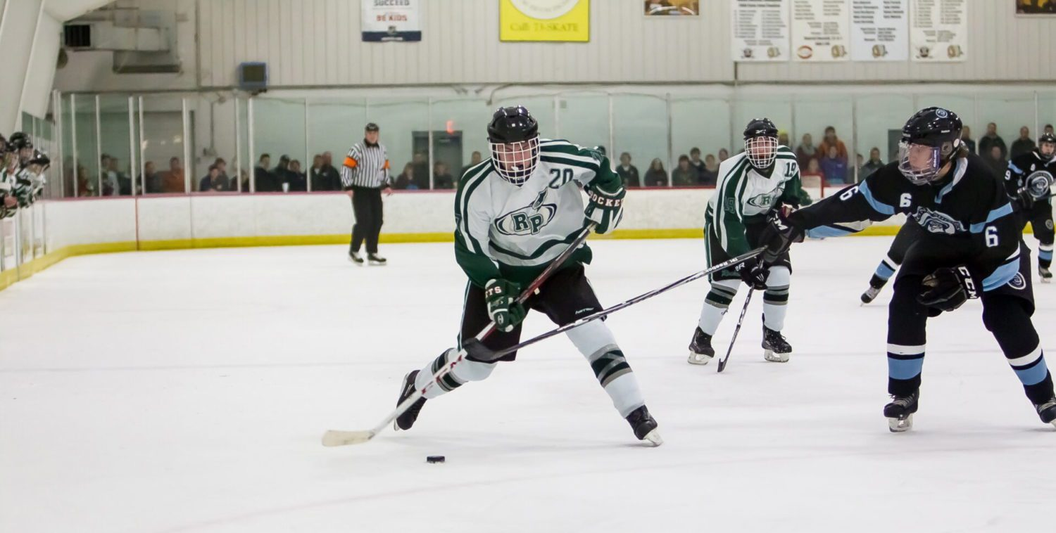 Reeths-Puffer hockey cruises into state quarterfinals with win over Forest Hills Northern/Eastern