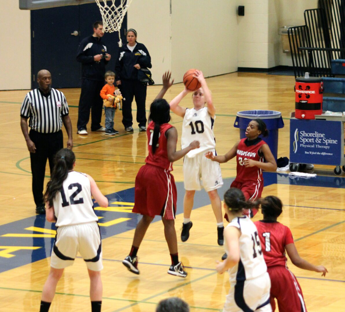 Muskegon cruises to 21-point win over Fruitport at district opener