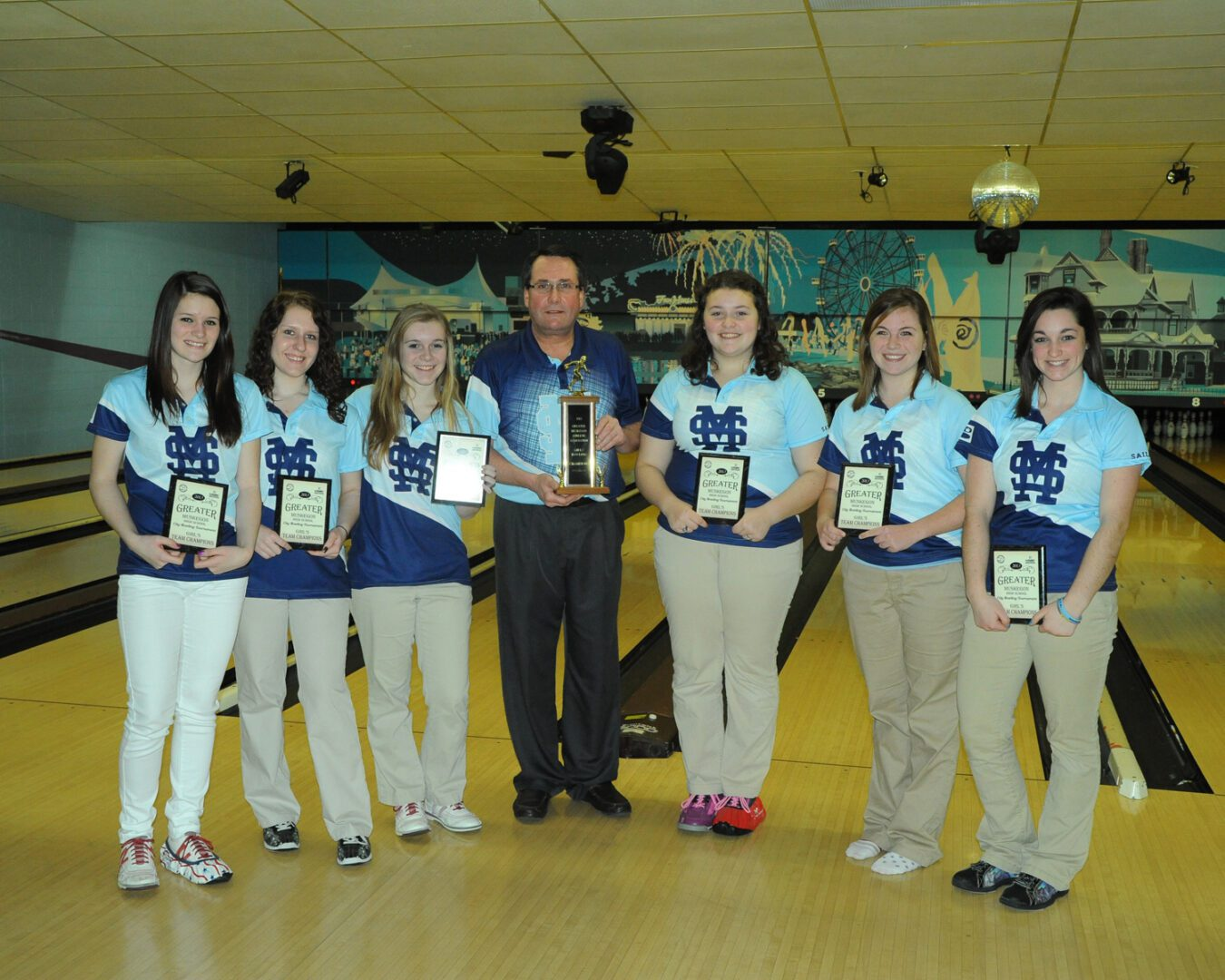 Mona Shores runs away from the field in Greater Muskegon Athletic Association girls bowling tournament