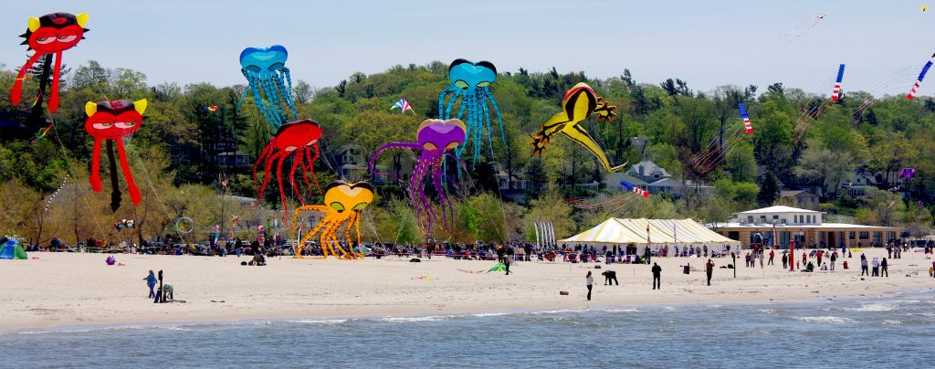 Great Lakes Kite Festival amazes at Grand Haven beach [VIDEO]