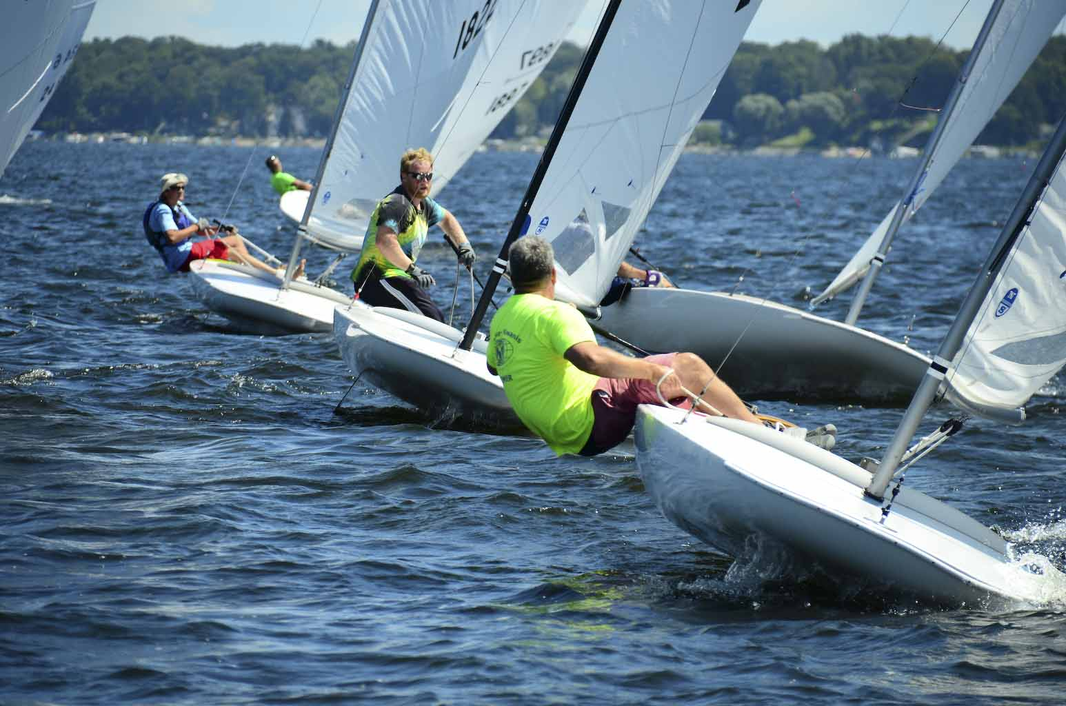 Good wind arrives on First day of WMYA Championship Regatta on White Lake [VIDEO]