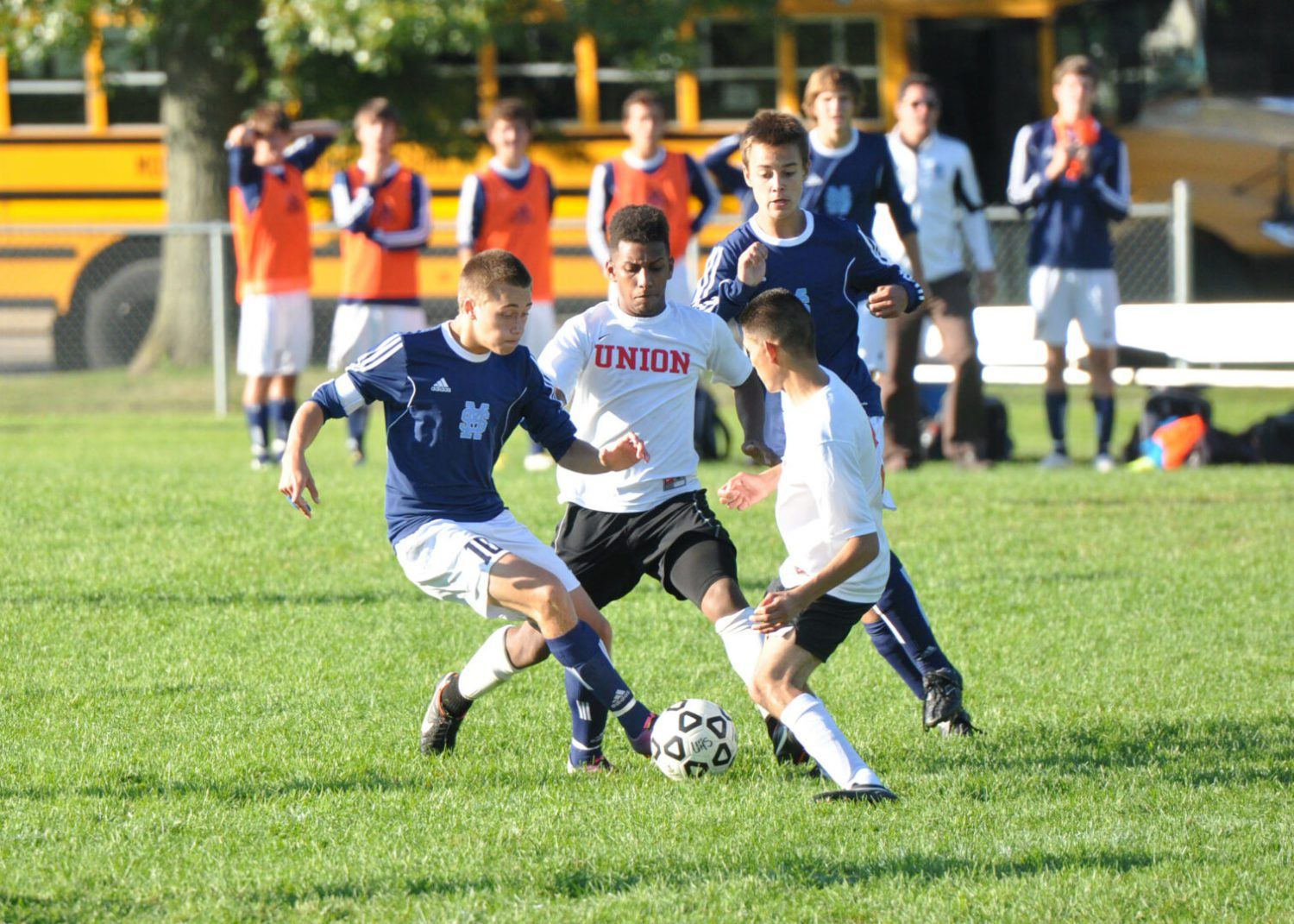 Mona Shores takes two tough league losses in two days