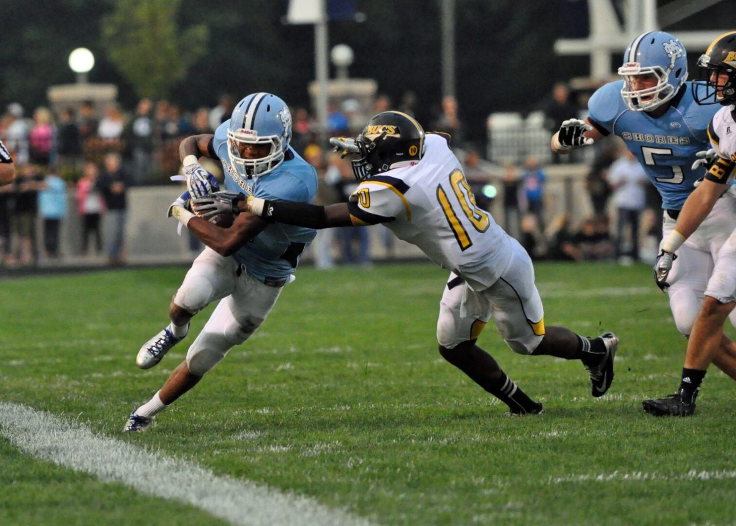 Offense on full display in Mona Shores' bout against Grand Haven [VIDEO]
