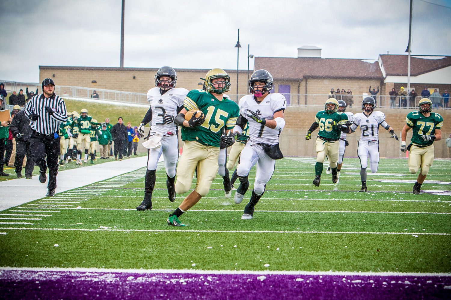 Muskegon Catholic powers by previously undefeated New Lothrop; heading to Ford Field with Division 8 state title on the line