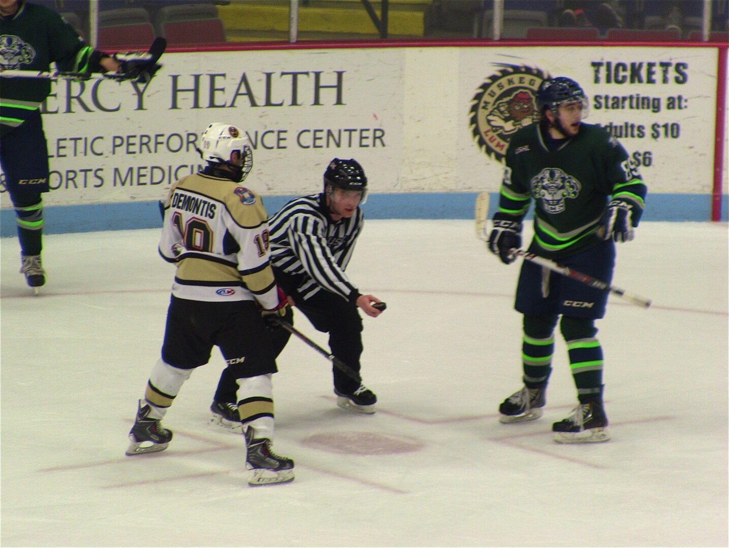 Muskegon Lumberjacks score six goals in first two periods in 8-4 win over Indiana