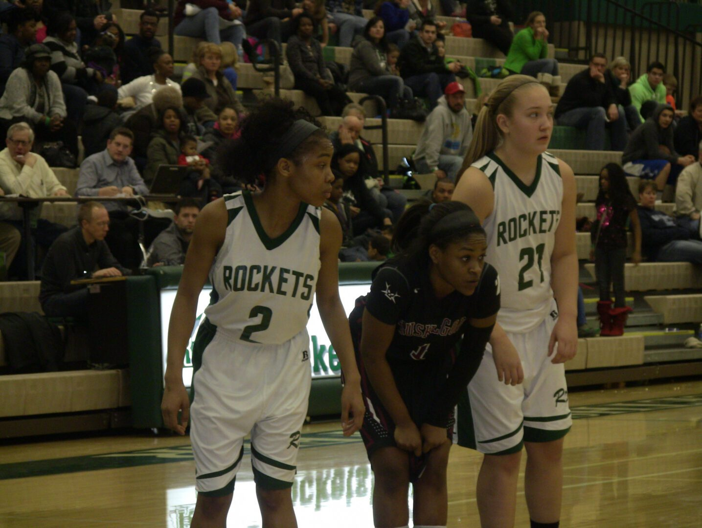 VIDEO: Taylor Craymer shows top skills for Grand Haven, Muskegon's Mardrekia Cook gives third-quarter display in Class A district kickoff
