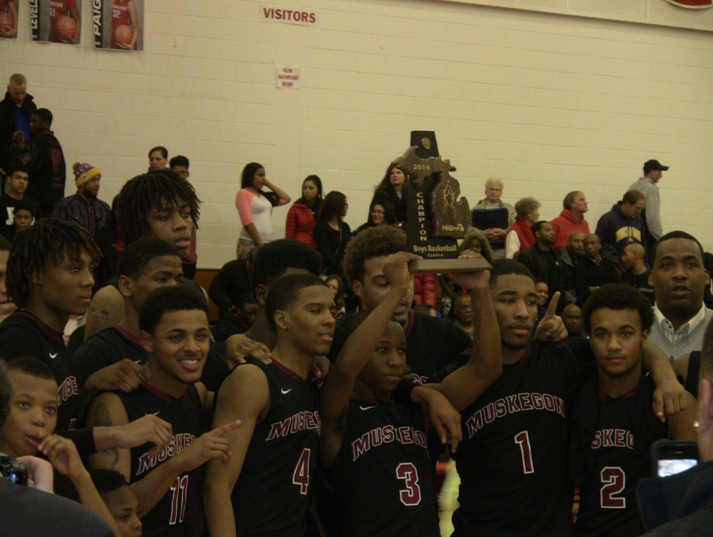Muskegon boys leave no doubt in dominating district final victory over Grand Rapids Union