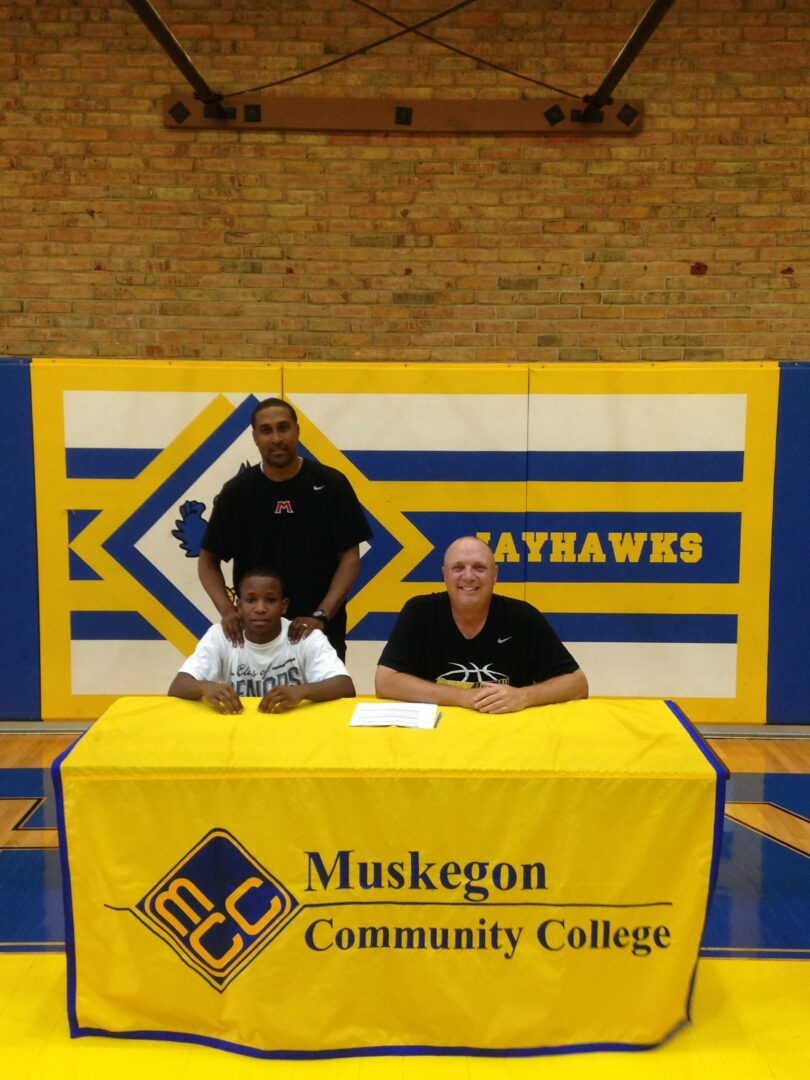 Big Reds' William Roberson Jr. will continue basketball career at Muskegon Community College