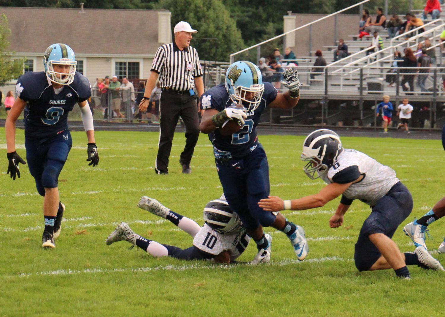 Mona Shores improves to 2-0 with a 48-7 thumping of Fruitport