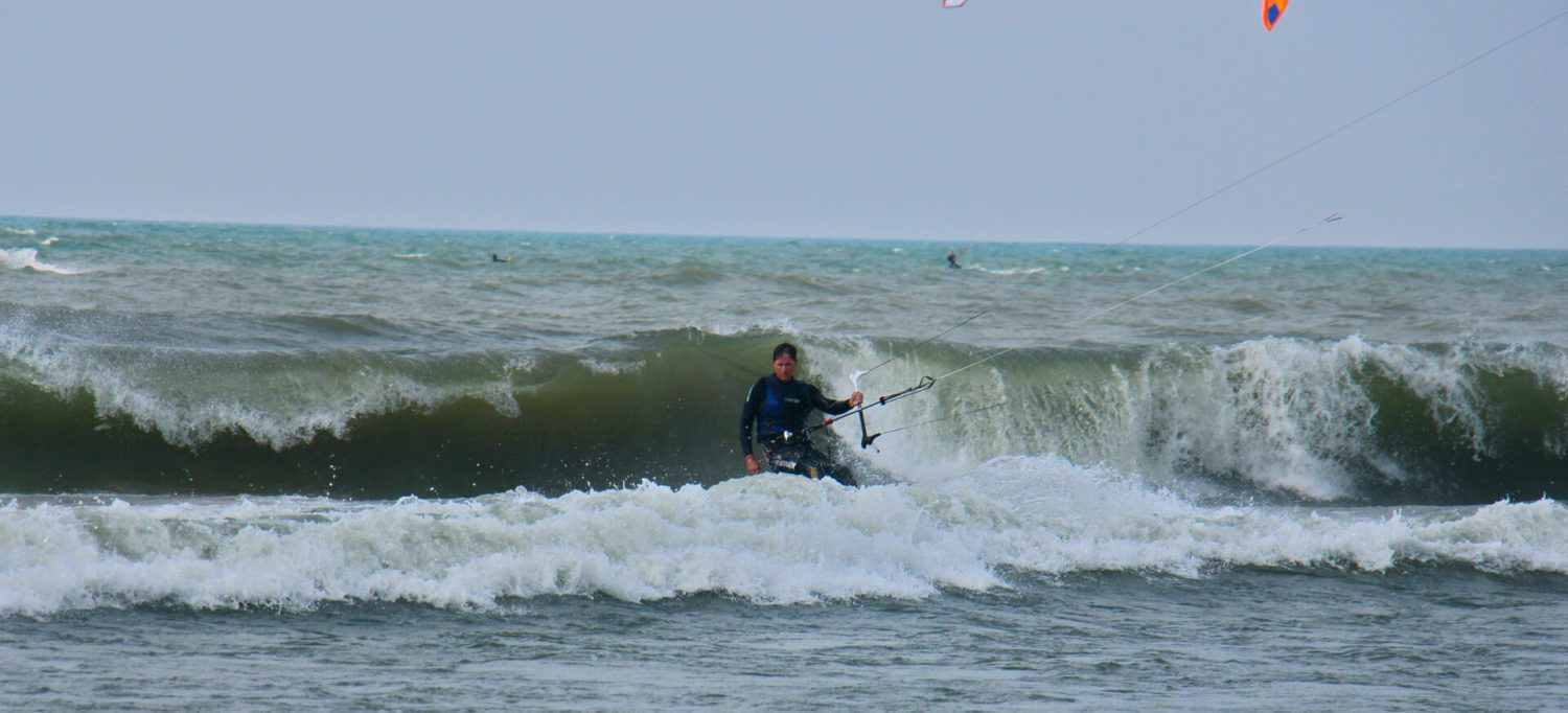 King Of The Great Lakes Kiteboarding festival brings consistent enough wind and nice waves [PHOTO]