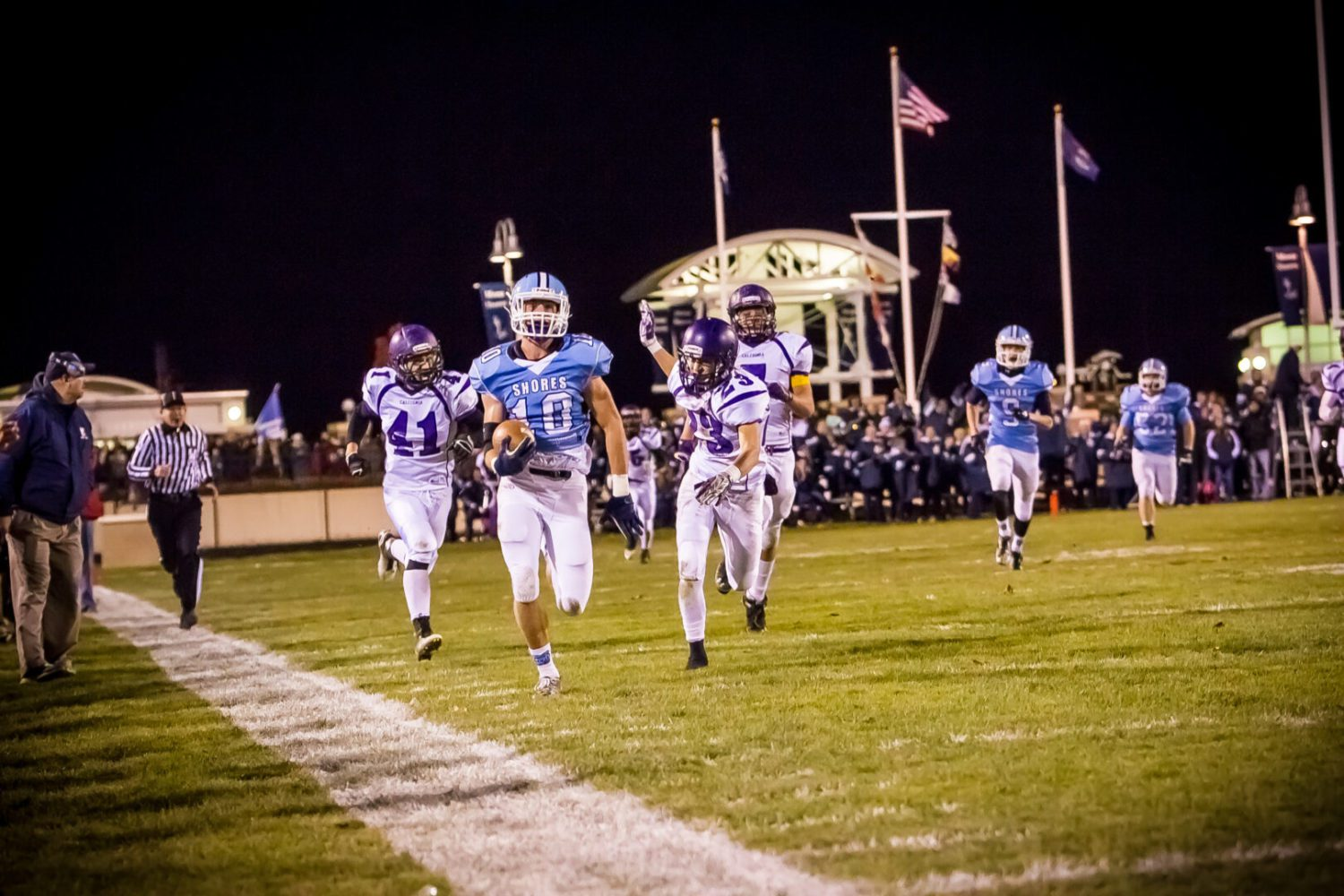 No. 3 Mona Shores routs Caledonia 42-14, eyes showdown at No. 2 Midland Dow for Division 2 district title
