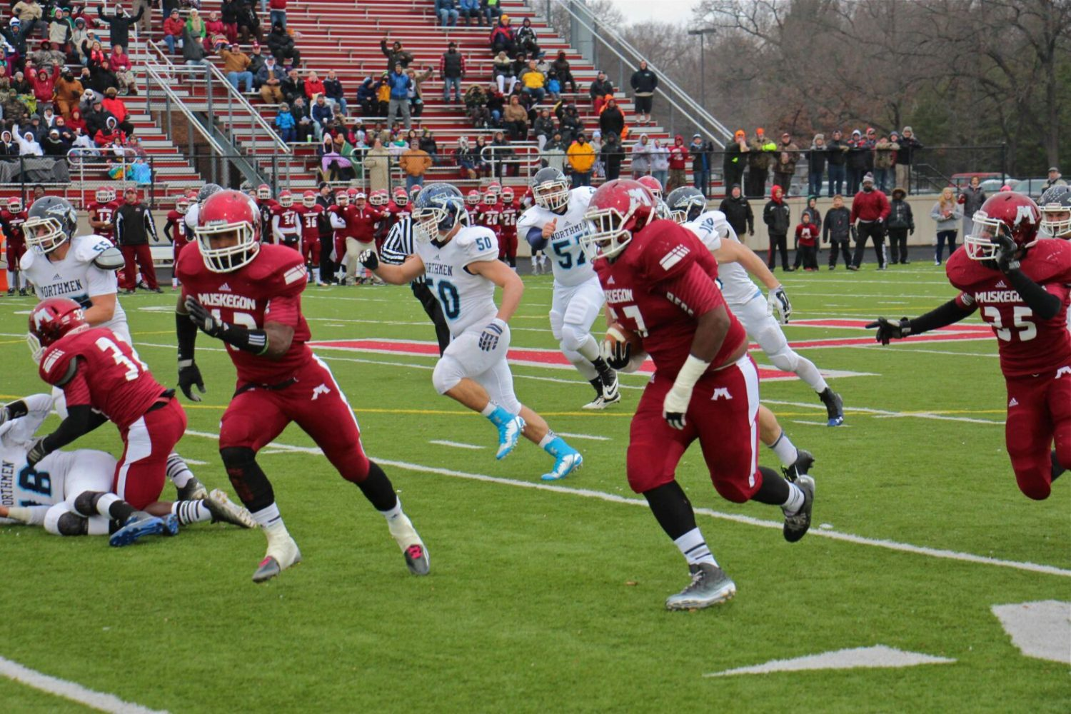 Division 3 football semifinal preview: Big Reds ready to scrap with defending state champion Zeeland West