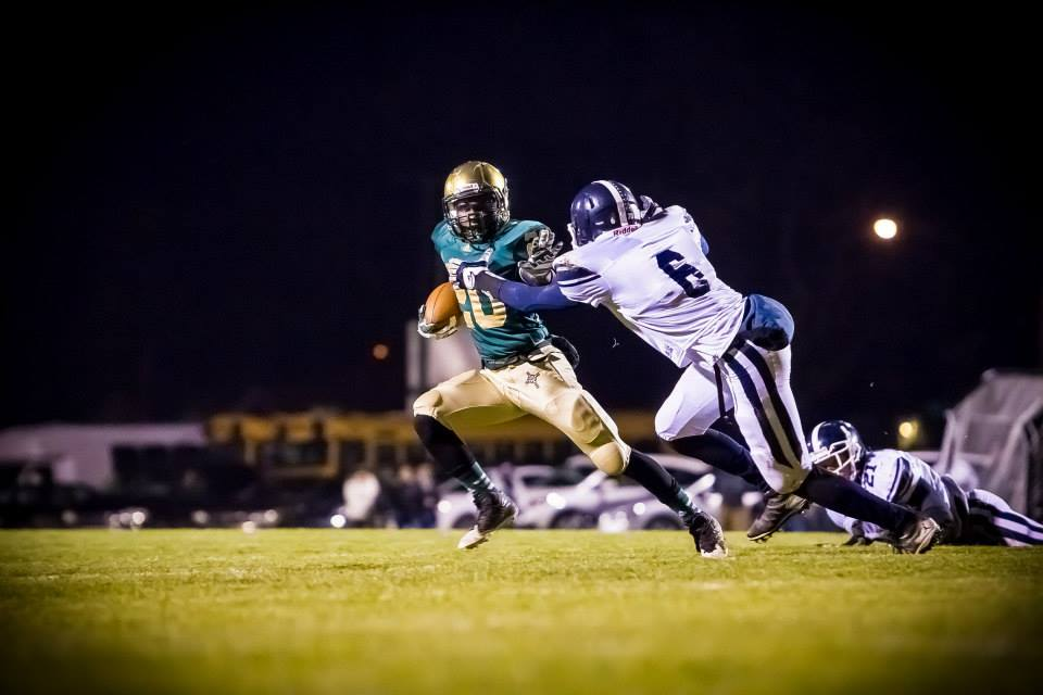 No. 1 Muskegon Catholic Central routs No. 5 Fowler 42-0 for Division 8 district championship