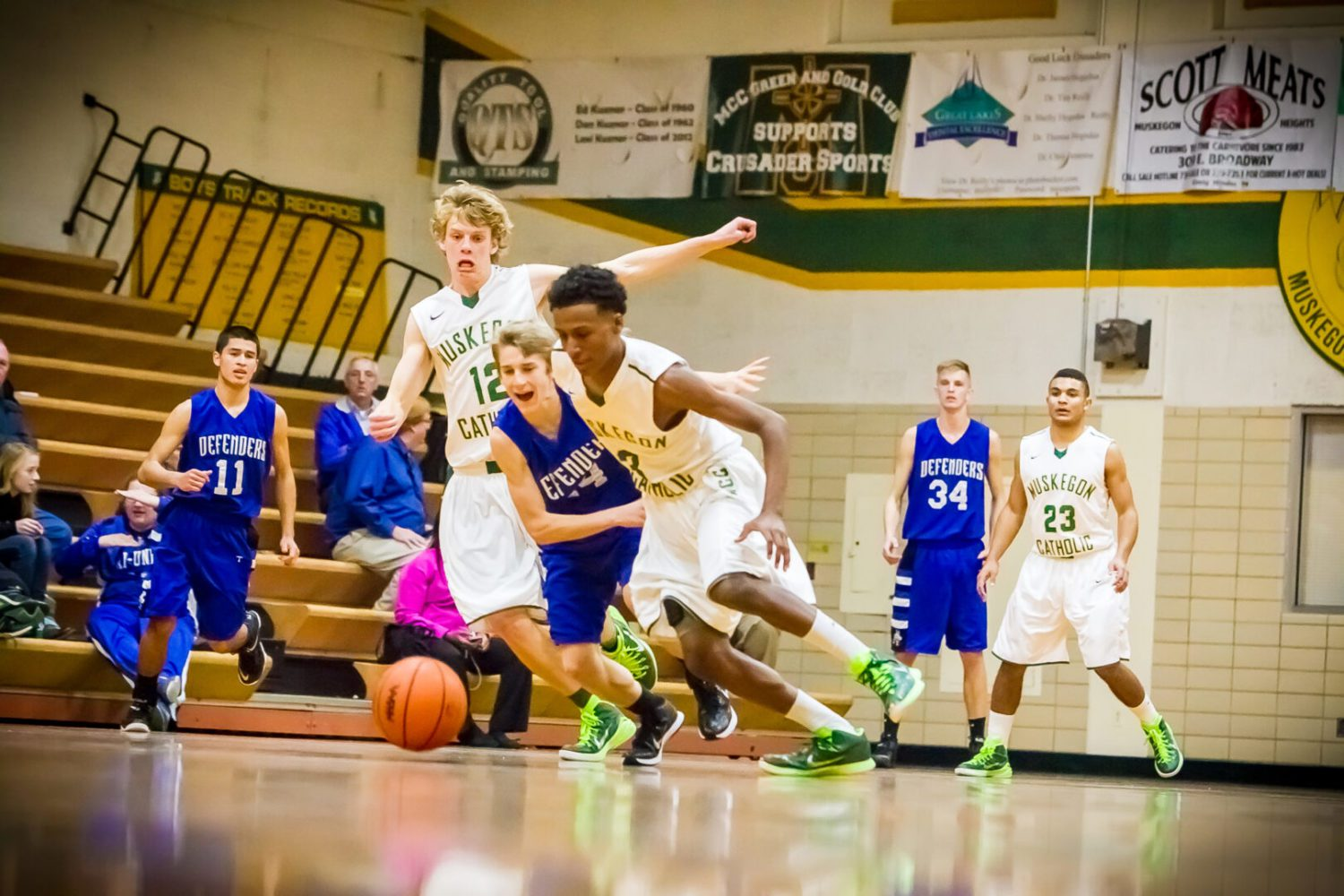 Martinez gets hot down the stretch, helps Muskegon Catholic remain unbeaten with a 55-53 win over Tri-Unity