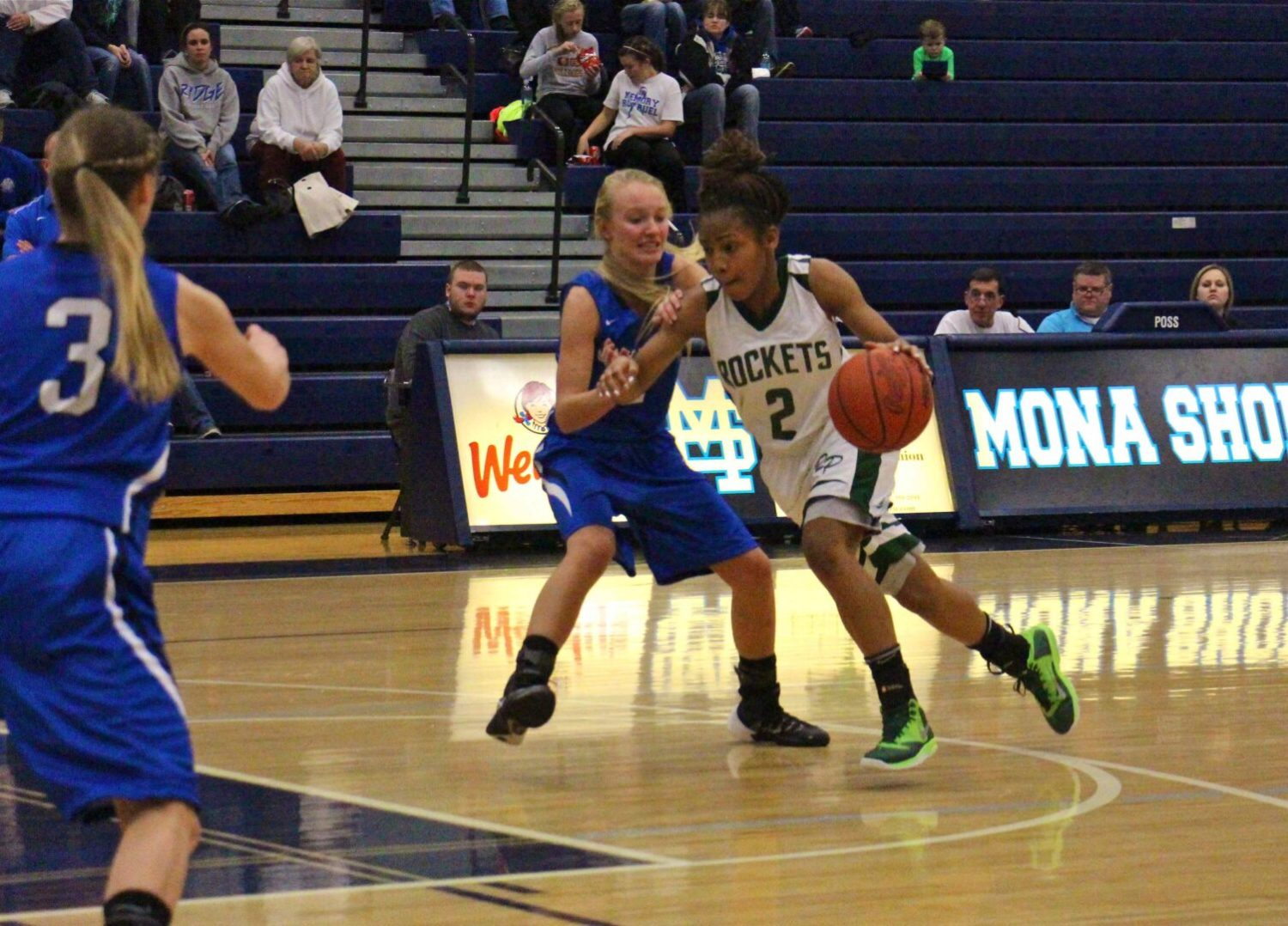 Reeths-Puffer girls use fourth quarter free throws to beat Oakridge in the Muskegon Area Sports Hall of Fame tourney