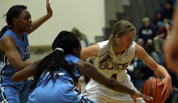 Mona Shores girls use a big third quarter to defeat Grand Haven 38-31