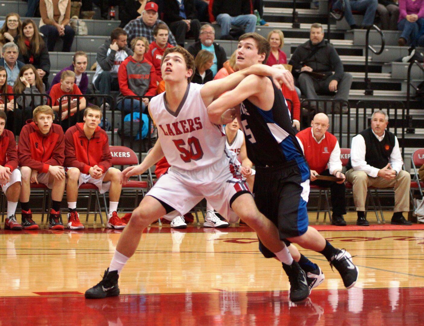 Spring Lake cruises to victory over previously undefeated Oakridge in boys basketball