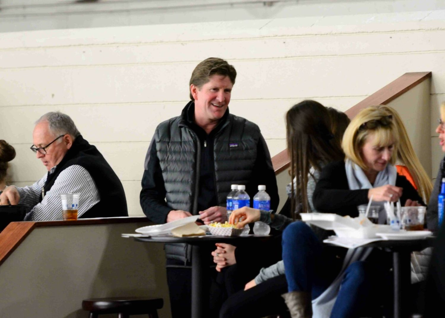 Mike Babcock cheerfully signed autographs, posed for photos at Jacks game – until the action on the ice started