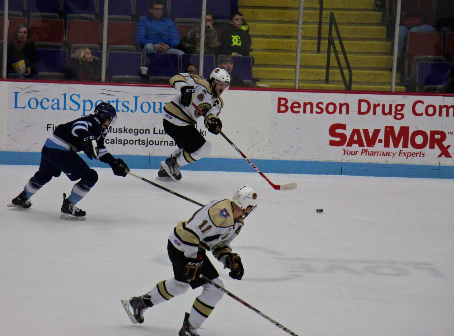 New players come through as Lumberjacks end losing streak with a 5-4 shootout victory over Madison [VIDEO]
