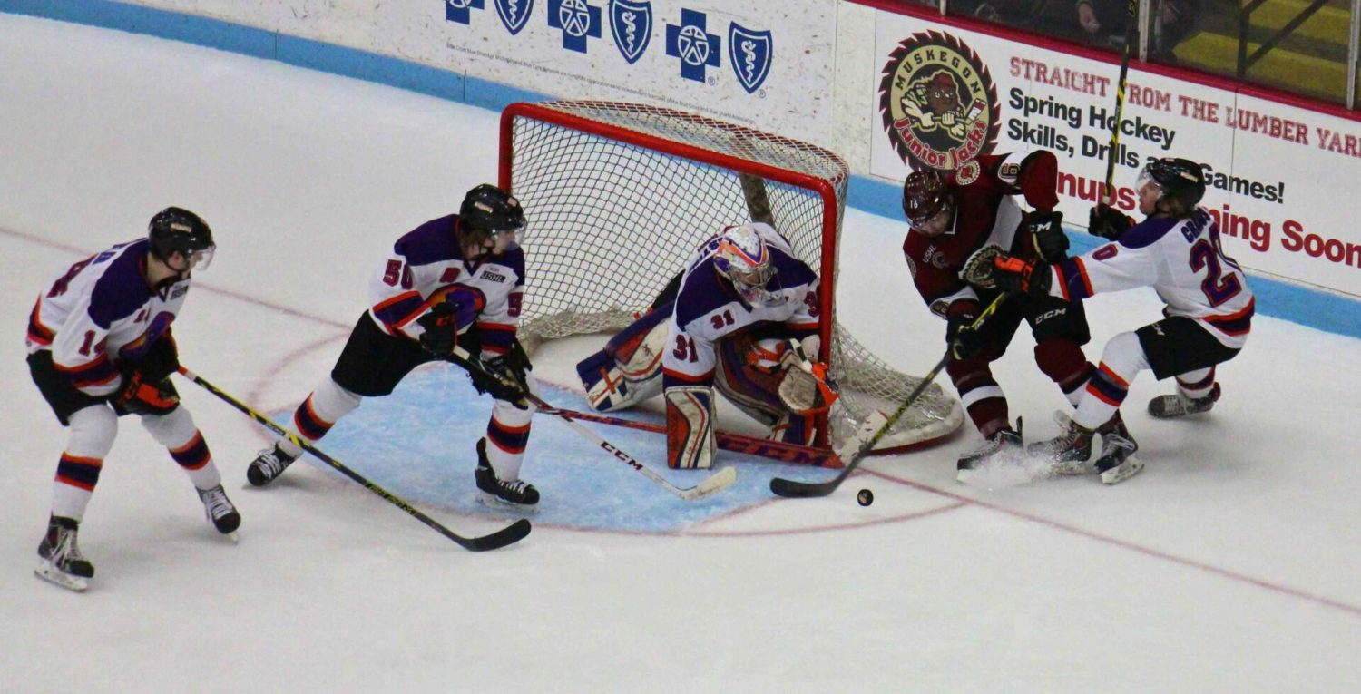 Lumberjacks falter on special teams, end their home stand with a 3-2 loss to Youngstown