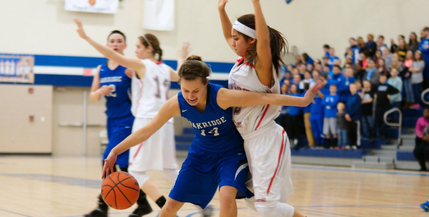Unbeaten Spring Lake gets past Oakridge in a Class B showdown between conference champions
