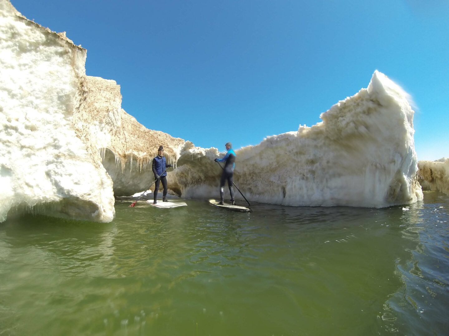 SUP adventure out to icebergs leads to images of winter's remains on Lake Michigan [VIDEO]