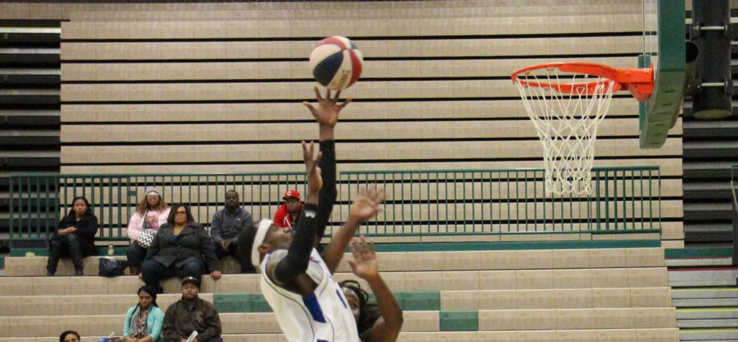 West Michigan Lake Hawks roll to victory over Oakland County, 151-81, in their first round playoff game