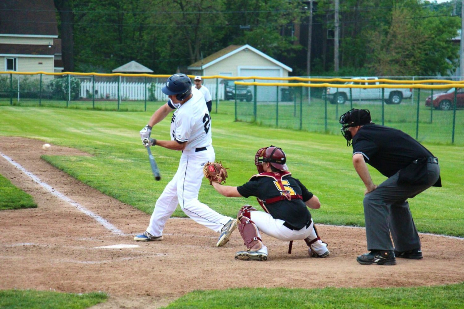 Potts' dramatic three-run homer gives the Muskegon Clippers a 7-5 opening night victory [VIDEO]