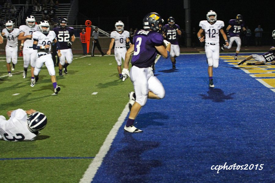 Grand Haven, Overway using their passing attack to down Fruitport 43-14 in the season opener