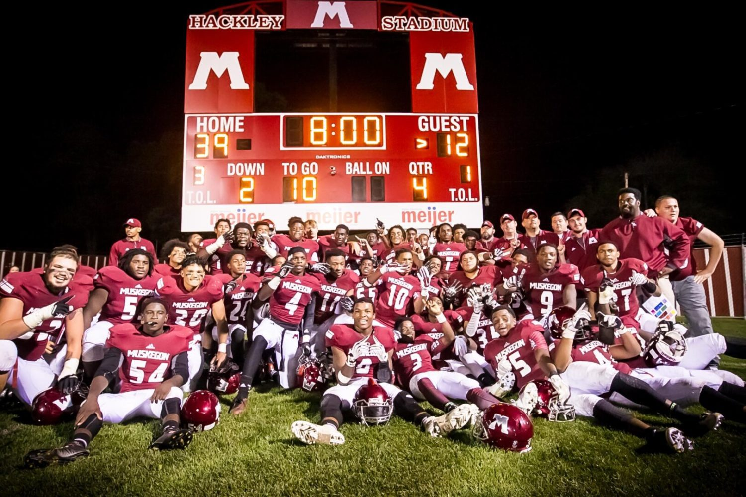 Pimpleton has a big night as Muskegon beats Grandville 39-12, claims 800th football victory