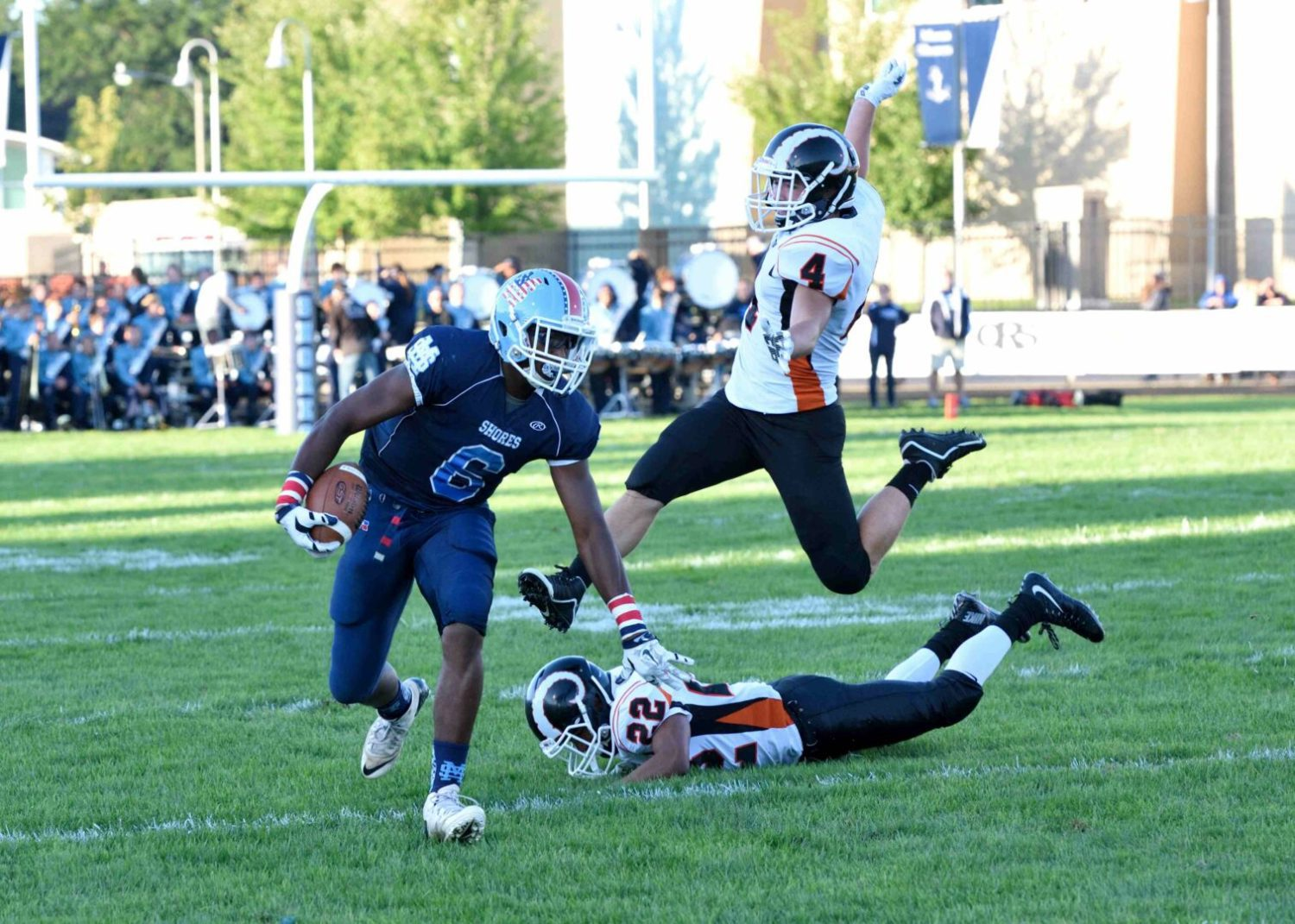 Mona Shores overcomes early deficit, beats Rockford 31-10 to avenge its only regular season loss in 2014