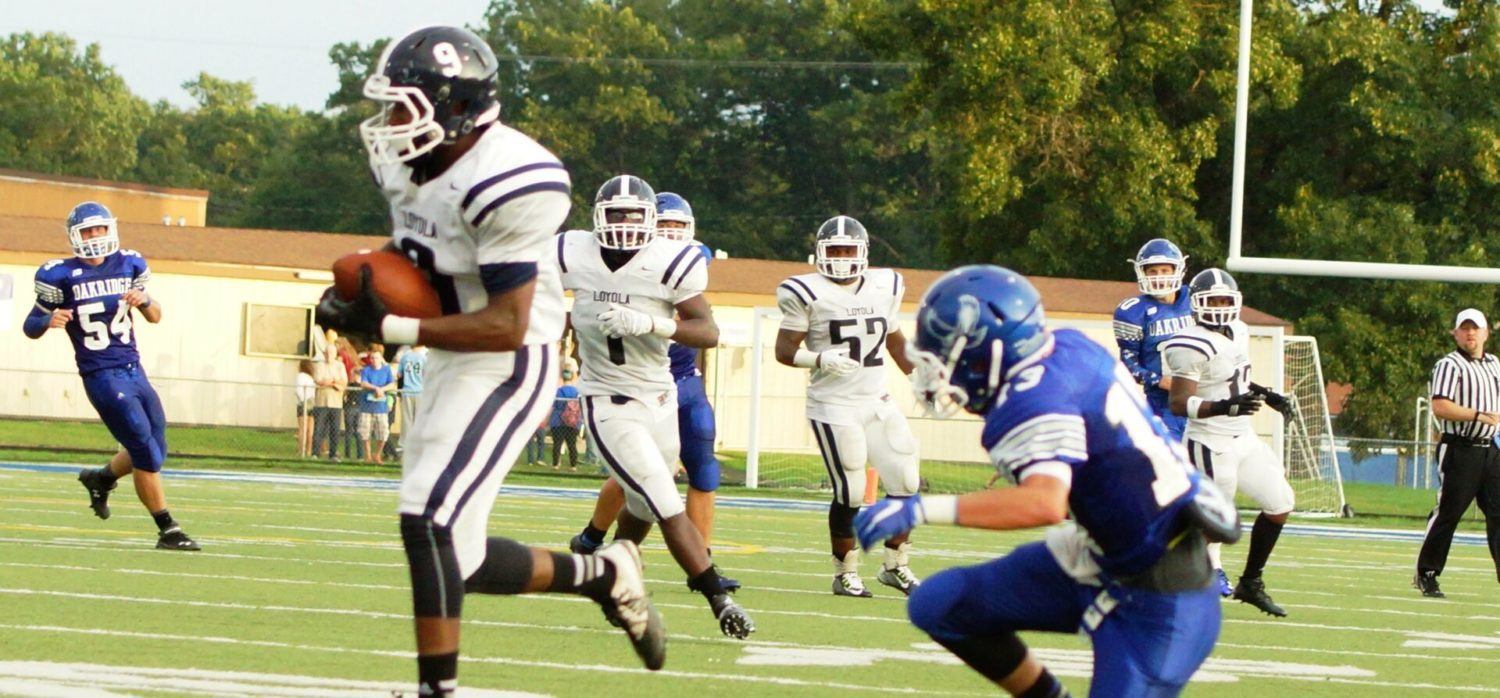 Oakridge keeps up with Detroit Loyola for three quarters, then loses 42-13