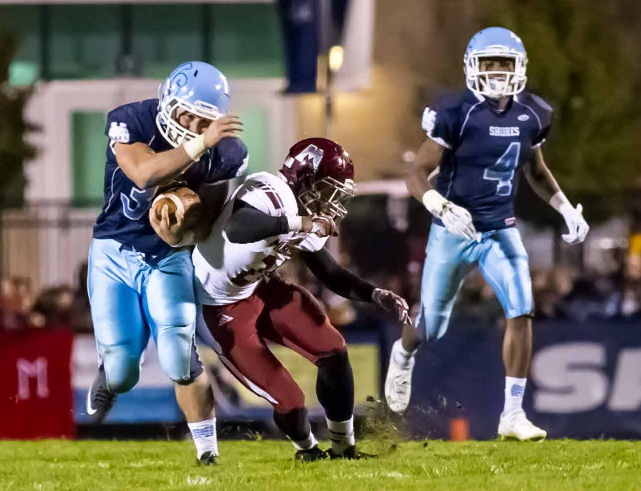 Mona Shores withstands furious Muskegon comeback, holds on for a stunning 21-18 victory in O-K Black showdown