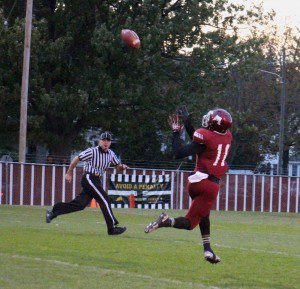 Jacorey Sullivan catches the big TD pass from Kalil Pimpleton. Photo/Jason Goorman