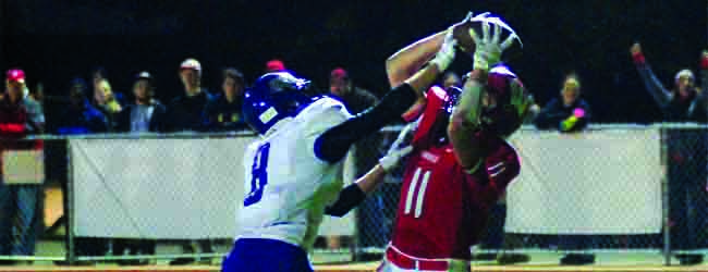 Whitehall keeps its playoff hopes alive with a come-from-behind 45-35 win over Ravenna