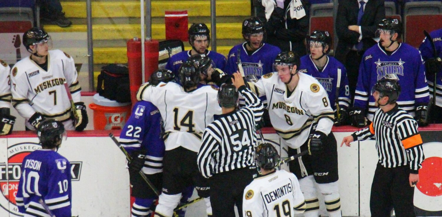 Rem Pitlick continues his goal-scoring tear, pushing the Lumberjacks past the Tri-City Storm 4-3
