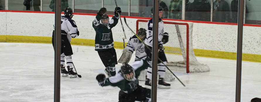 Reeths-Puffer hockey team rallies with two late goals and escapes with a 3-3 tie with Mona Shores
