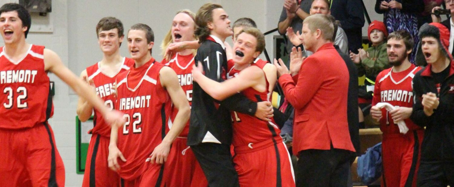 Fremont boys overcome an early deficit, rally to beat Muskegon Catholic 50-46