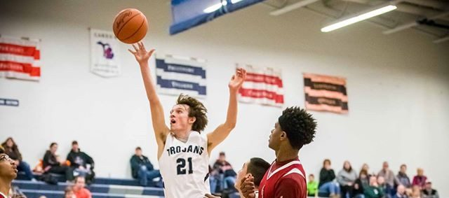 Kramer's hot hand in overtime allows Fruitport boys to claim a 55-46 win over Orchard View