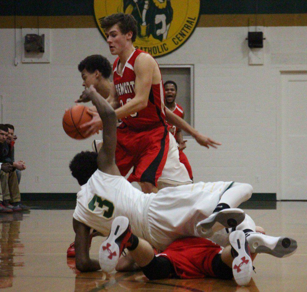 Fremont's Mason McDowell gets the loose ball at half court. Photo/Jason Goorman