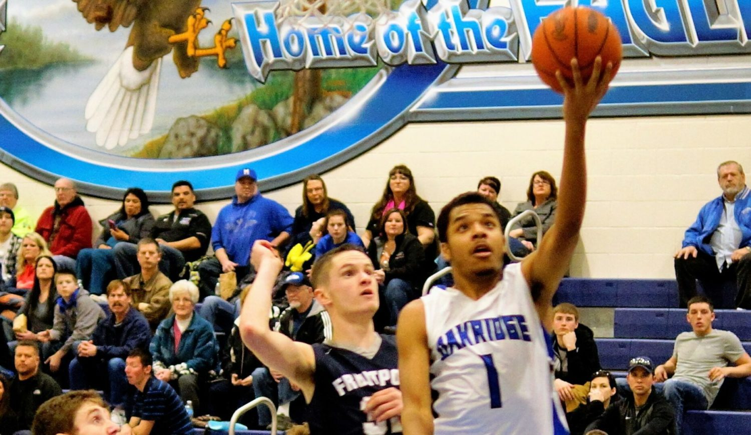 Oakridge boys basketball team stays hot, holds off late charge from Fruitport