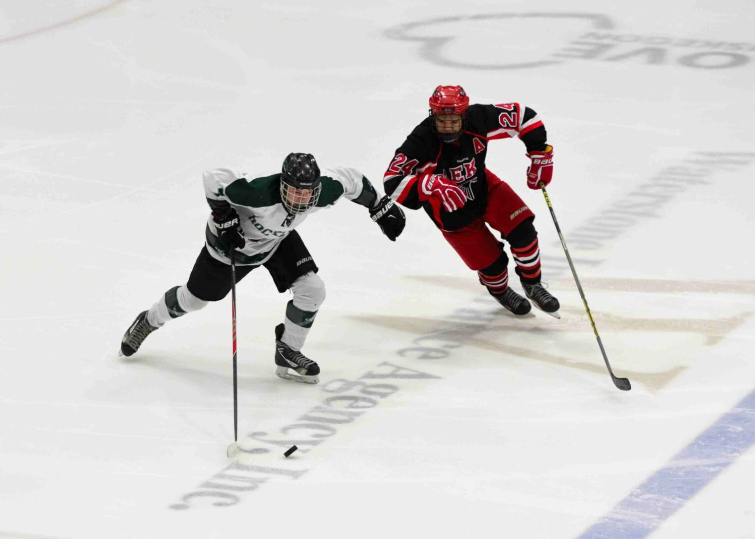 Reeths-Puffer hockey team gives up six answered goals, falls to East Kentwood
