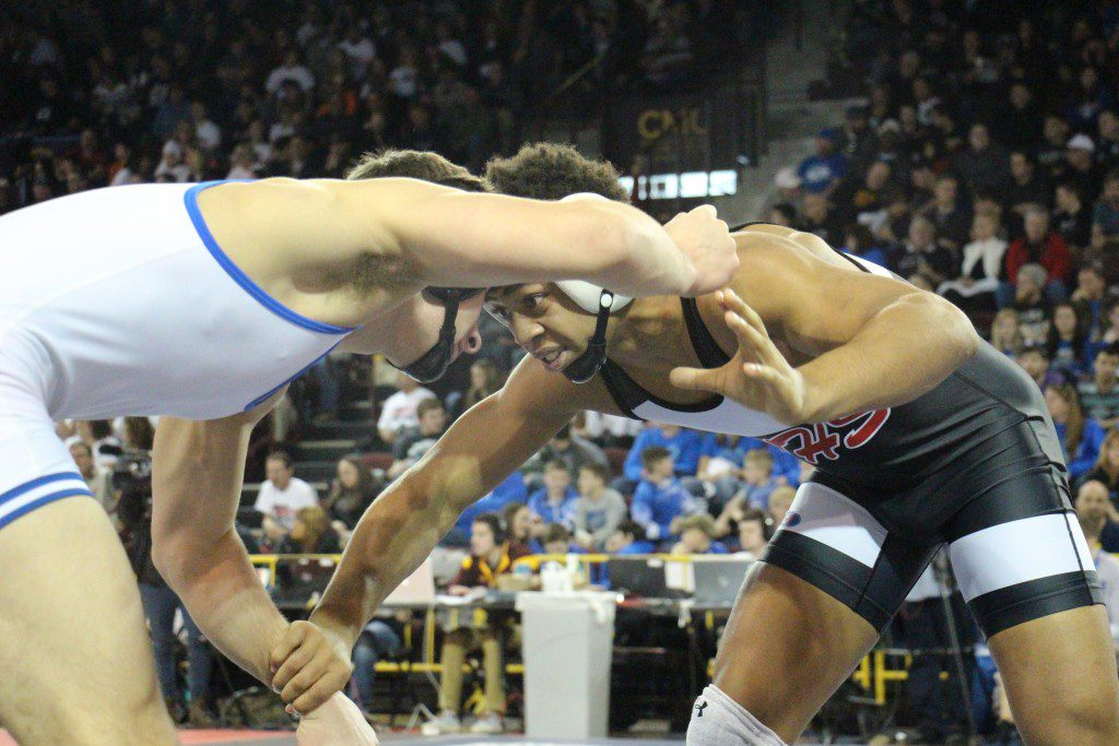 At 140, Jwan Britton for Whitehall takes on Dundee's Zach Blevins. Photo/Jason Goorman