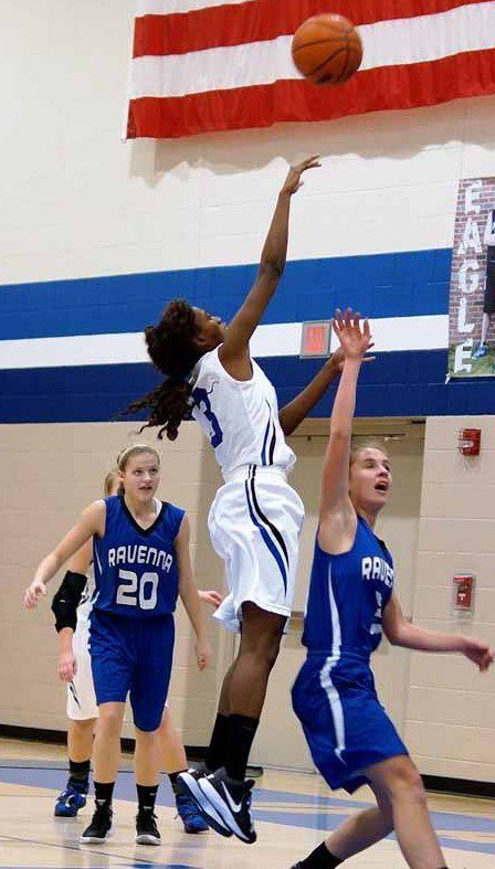 Oakridge guard Tiara Thompson shoots for two in the lane. Photo/Sherry Wahr