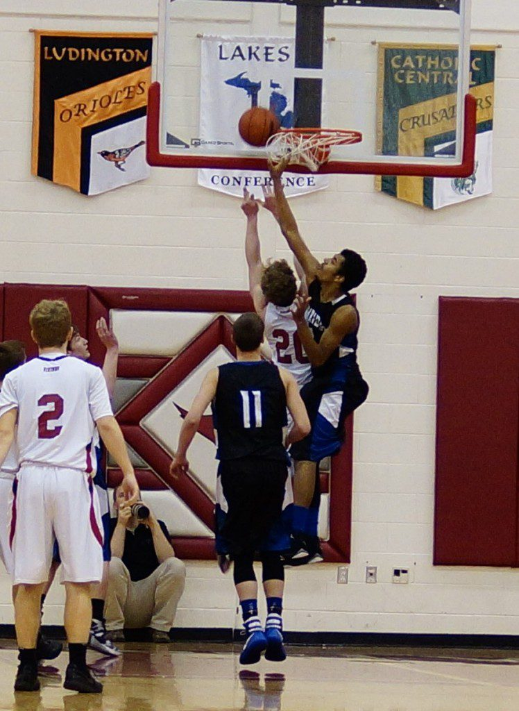 James Cooper III gets the blocked shot for Oakridge. Photo/Sherry Wahr